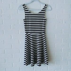 Divided H&M Navy Blue and White Dress 4